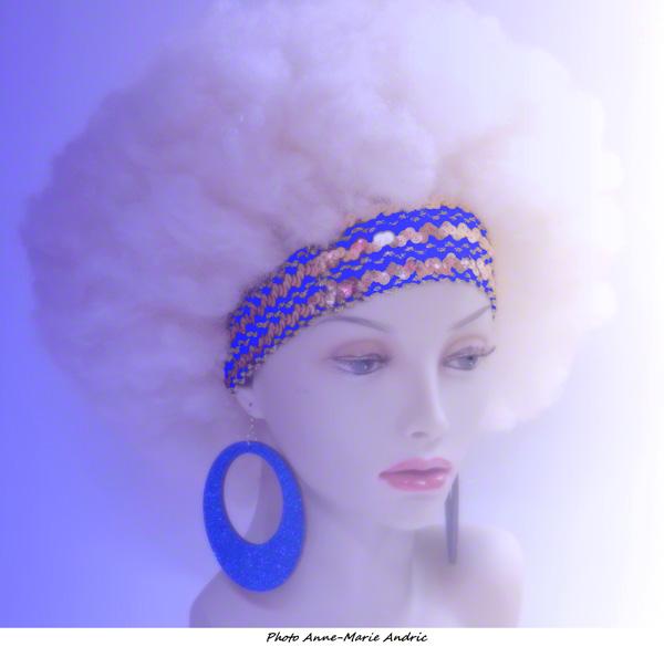 Boucles d\'oreille rondes disco pailletées bleues