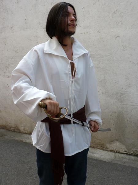 Chemise historique à lacets