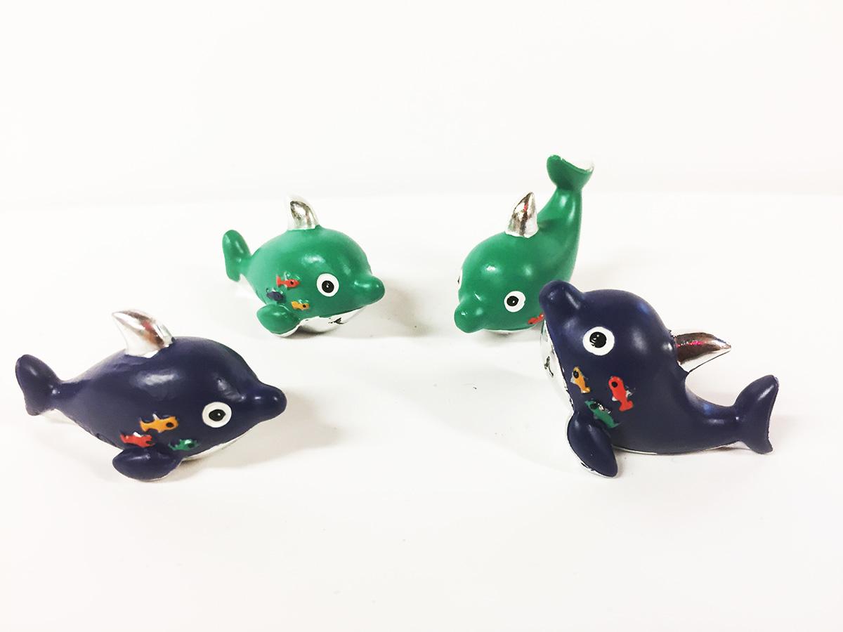 4 mini dauphins en résine et argent