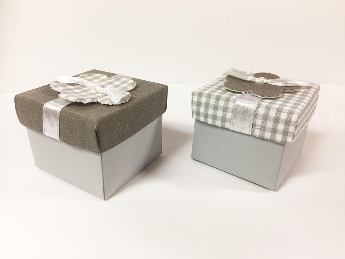 2 boites dragées cubiques vichy gris