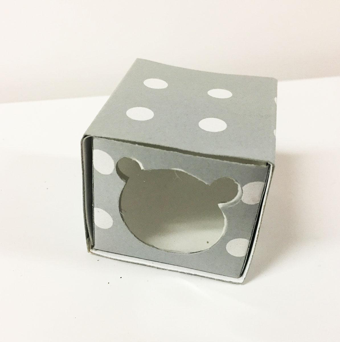 2 boites dragées grise à pois blanc thème ourson