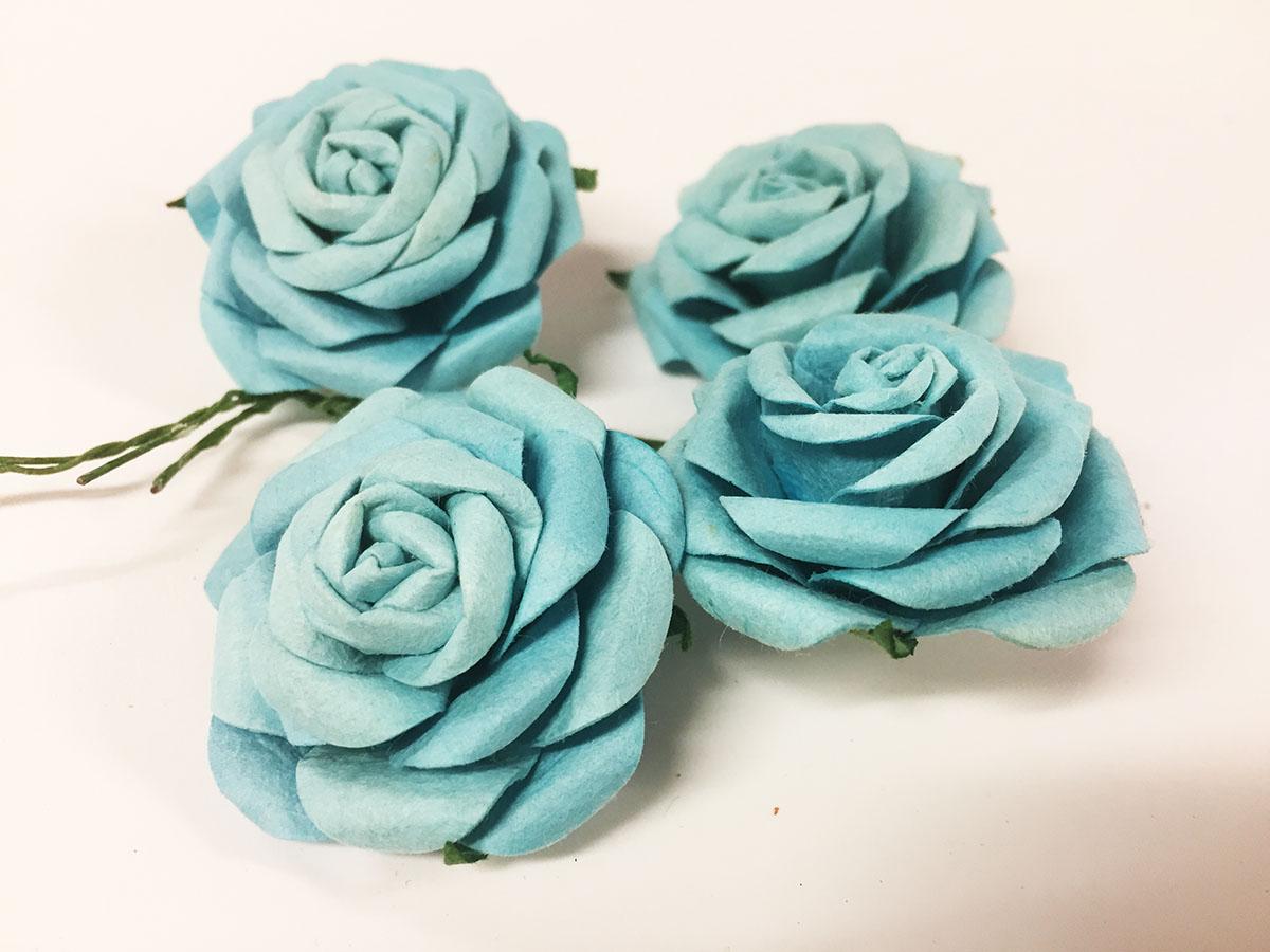 4 mini roses en papier craft bleu turquoise