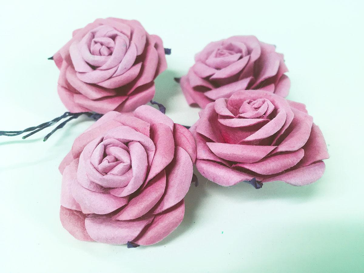 4 mini roses en papier kraft rose