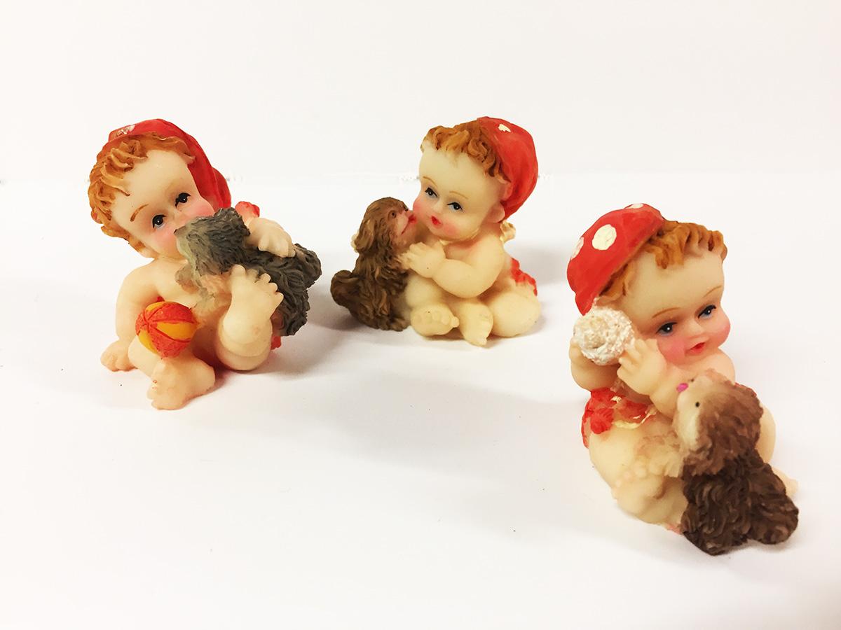 3 figurines résine bébé avec chien