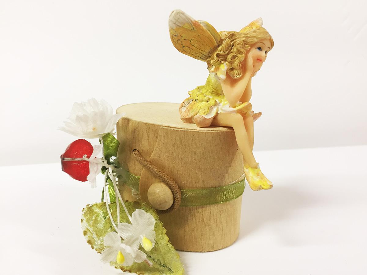 2 figurines en résine de fée assise