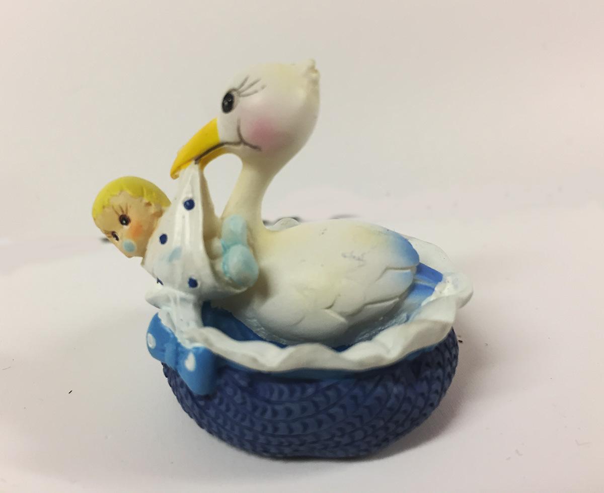 2 figurines en résine cigogne et bébé bleu