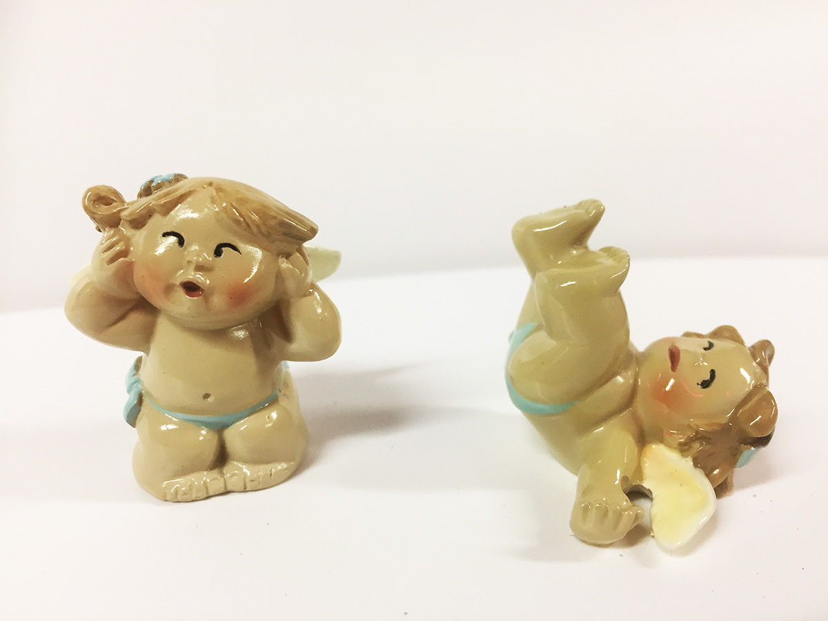 2 figurines angelots joufflus garçons