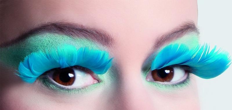 Faux Cils turquoise en plumes