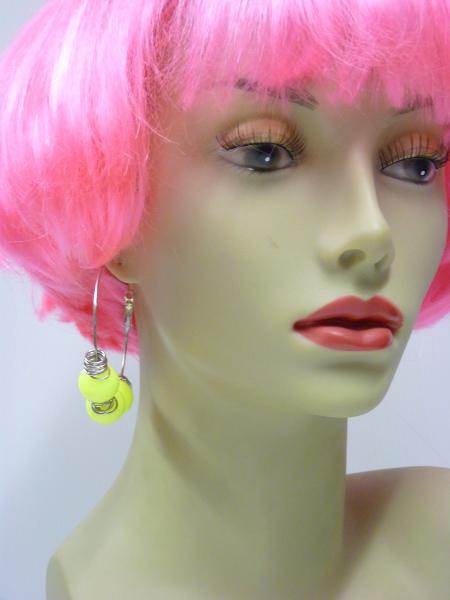 Boucles d\'oreilles fluo jaune