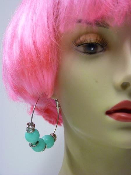 Boucles d\'oreilles fluo bleu turquoise