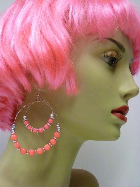 Boucles d\'oreilles fluo rose