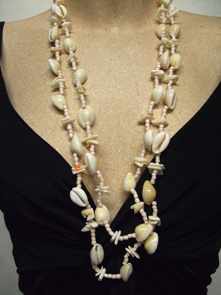 Collier hawaïen coquillage naturel