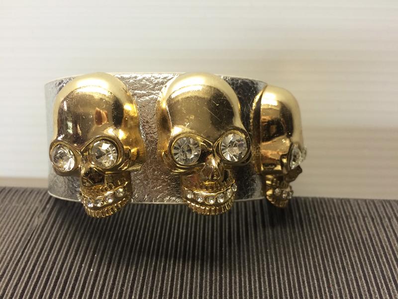 Bracelet argent avec tête de mort