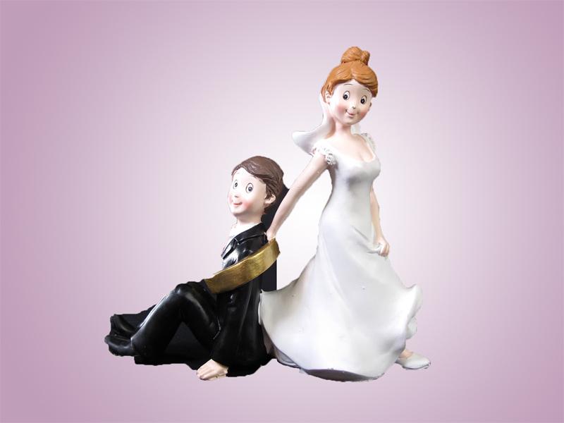 Couple de mariés avec alliance