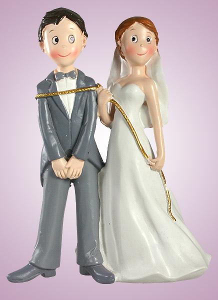 Couple de mariés avec corde