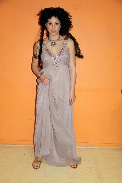 Costumes luxe de déesse grecque grise
