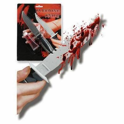 Couteau Sanglant Avec Tube de Sang