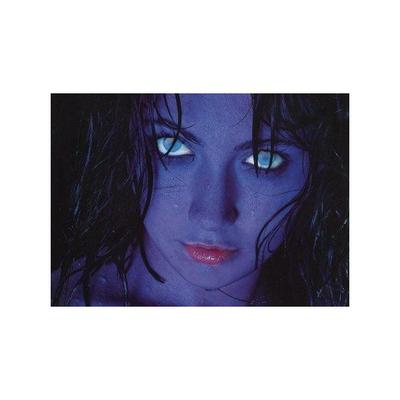 Lentilles de contact bleues glow
