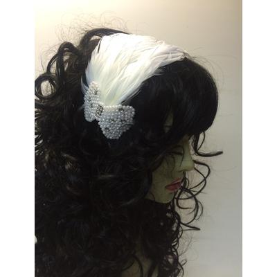 Serre tête plumes et noeud en perles blanc