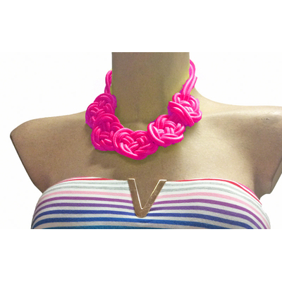 Collier rose fluo