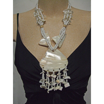 Collier hawaïen coquillage et nacre