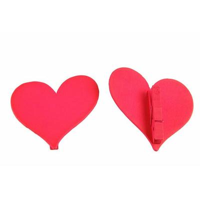 12 marques place coeurs bois rouge