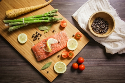 food_foodie_bake_salmon_fish_citrus_vegetables_asparagus-869031