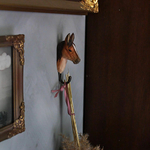 Patere-crochet-wildlifegarden-pur-sang-arabe-mur-2