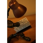 lampe- romance -style-industrielle -décoration-le-labo-du-kraken-lampe-de-bureau-lampadaire-industriel-lestagiaire-lelabodukraken-collection life style