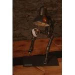 lampe Kilian-lampe footballeur-style-industrielle -décoration-le-labo-du-kraken-lampe-de-bureau-lampadaire-industriel-lestagiaire-foot