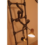 lampadaire original-le labo du kraken-lampadaire peintre-lampadaire rigolo-lampadaire vintage-lampadaire acier-lampadaire tuyau-lampadaire échelle original