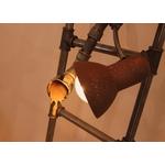 lampadaire original-le labo du kraken-lampadaire peintre-lampadaire rigolo-lampadaire vintage-lampadaire acier-lampadaire tuyau-lumière industriel