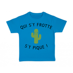 tshirt-enfant-bleu-qui-sy-frotte-sy-pique