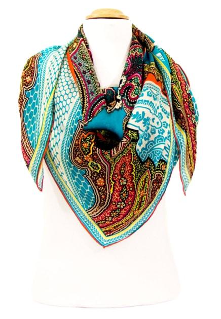 foulard-carre-de-soie-bleu-indie-105-x-105-cm-5-min