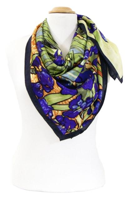 foulard-en-soie-carre-de-soie-les-iris-van-gogh-3-min