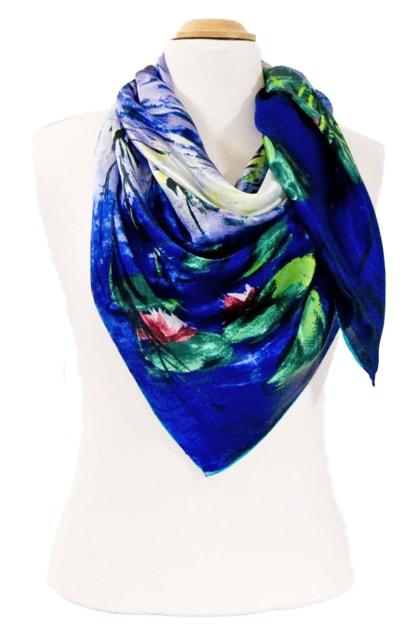 foulard-en-soie-carre-de-soie-nympheas-et-saules-claude-monet-3-min