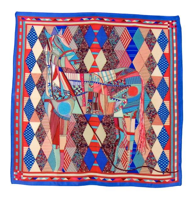 carre-de-soie-petit-foulard-bleu-patchy 2-min