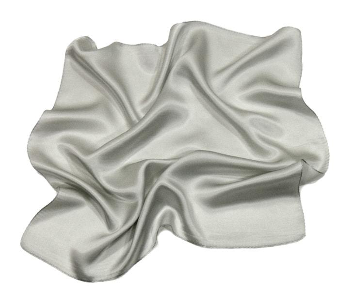 foulard-en-soie-gris-perle-uni-petit-cspp-fan-15-1 copie-min