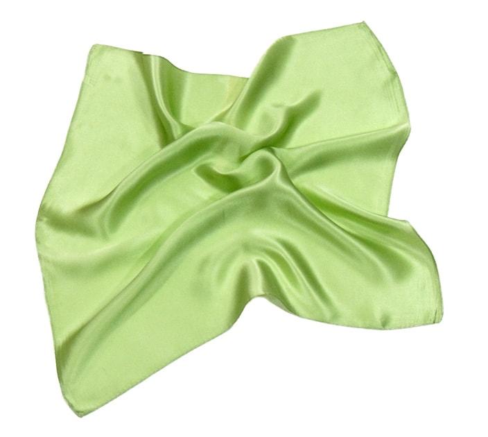 foulard-en-soie-vert-anis-uni-petit-cspp-fan-13-1 copie-min