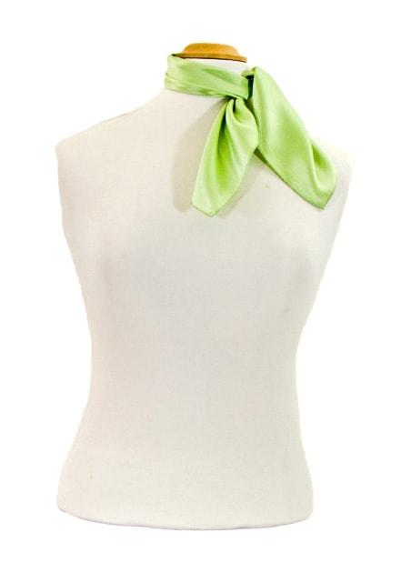foulard-en-soie-vert-anis-uni-petit-cspp-fan-13-2 copie-min