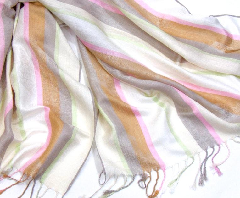 etole-pashmina-rayures-et-motifs-ecru-etf113-3-min