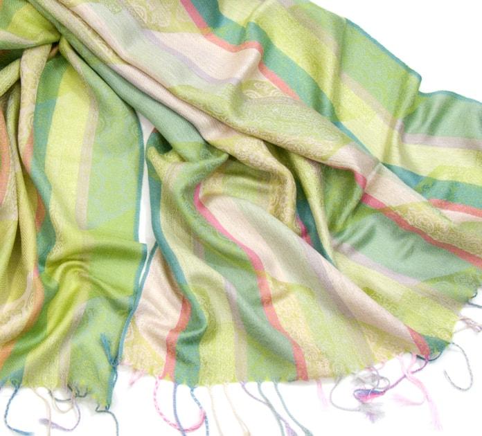 etole-pashmina-rayures-et-motifs-vert-tendre-etf112-3-min