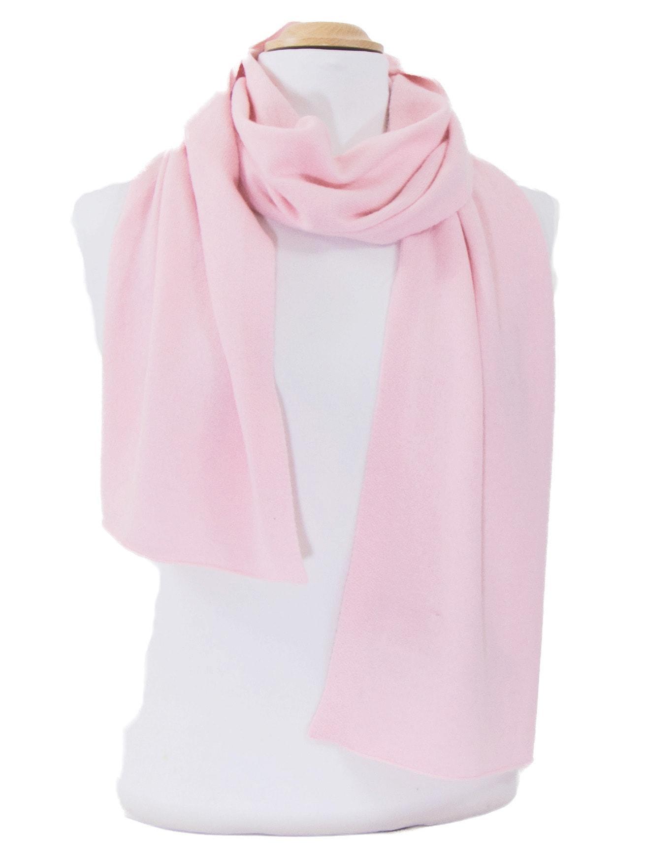 Echarpe rose blush en cachemire J and W - Matière Echarpe cachemire - Mes  Echarpes a210c8cec3e