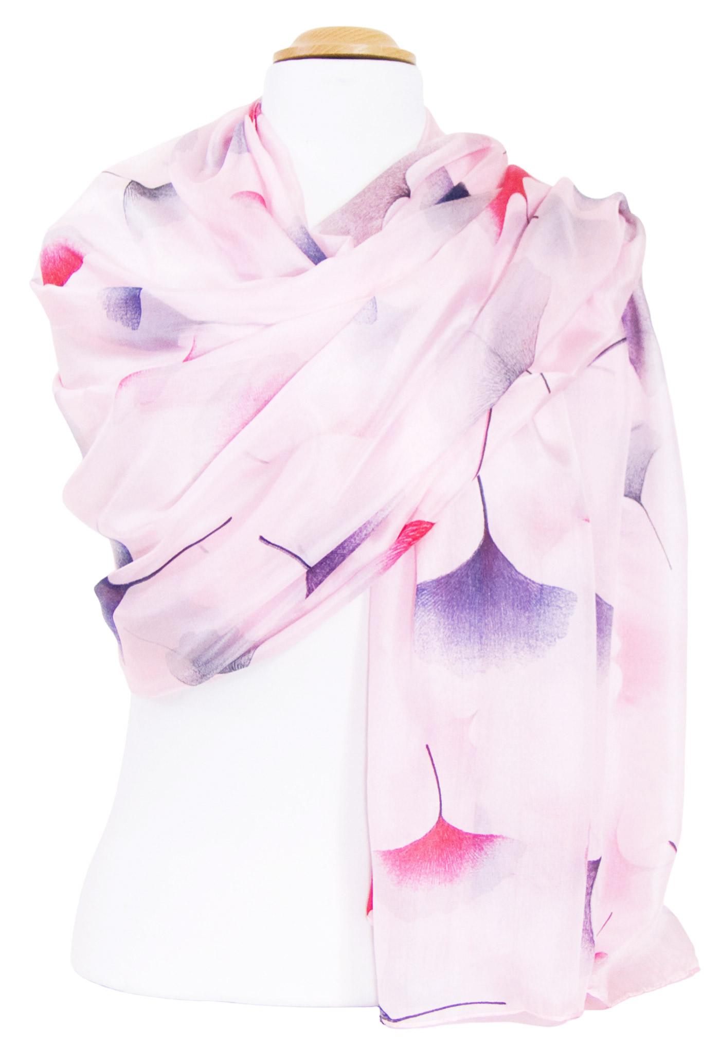 Etole en soie rose ginkgo
