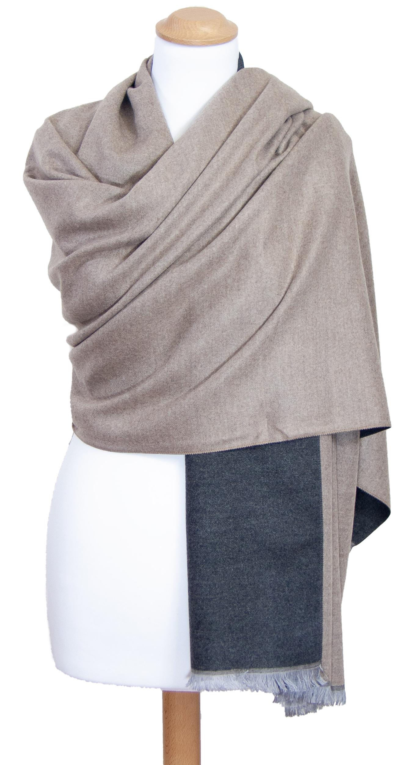Châle gris beige réversible