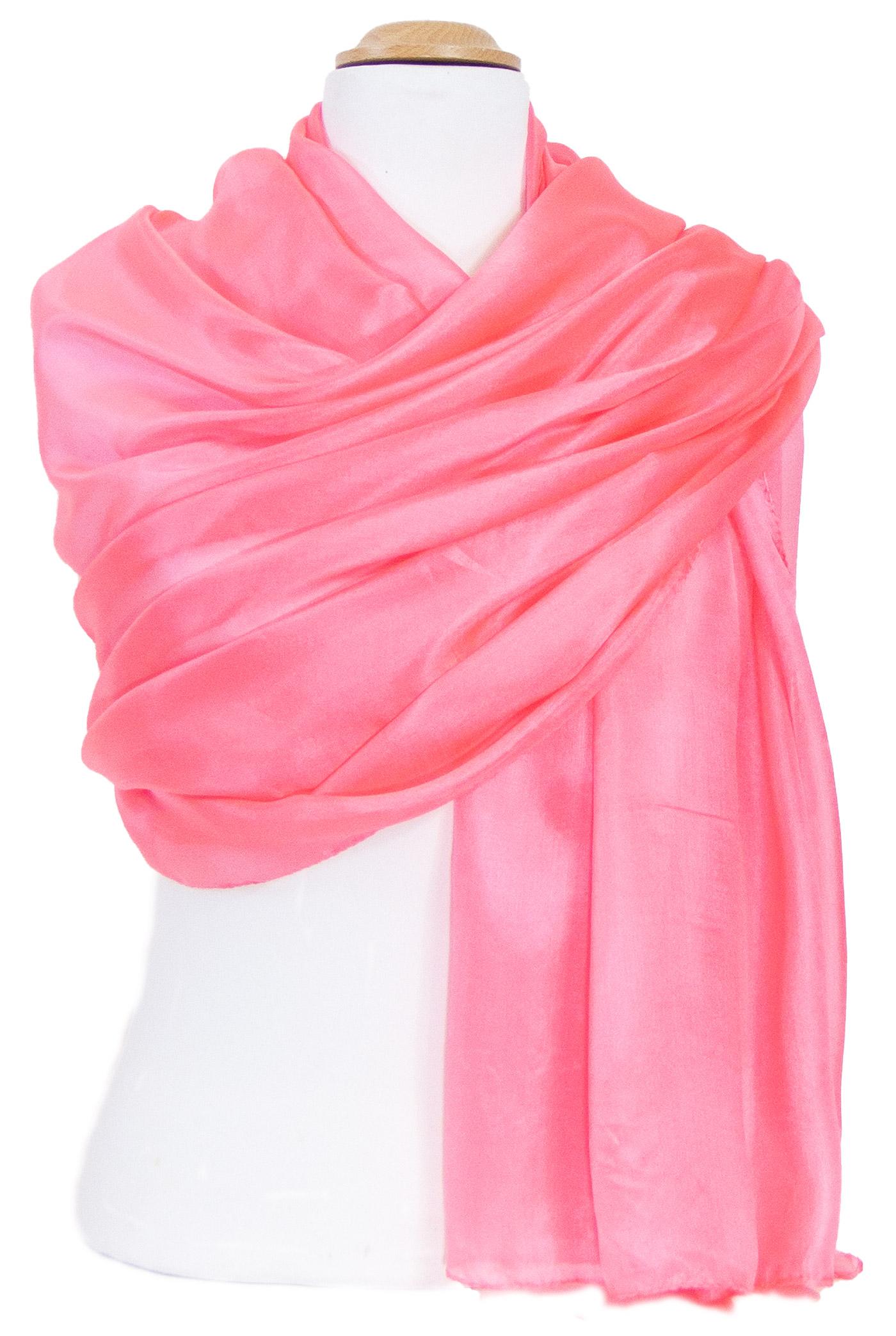 étole en soie corail  rose  pour femme