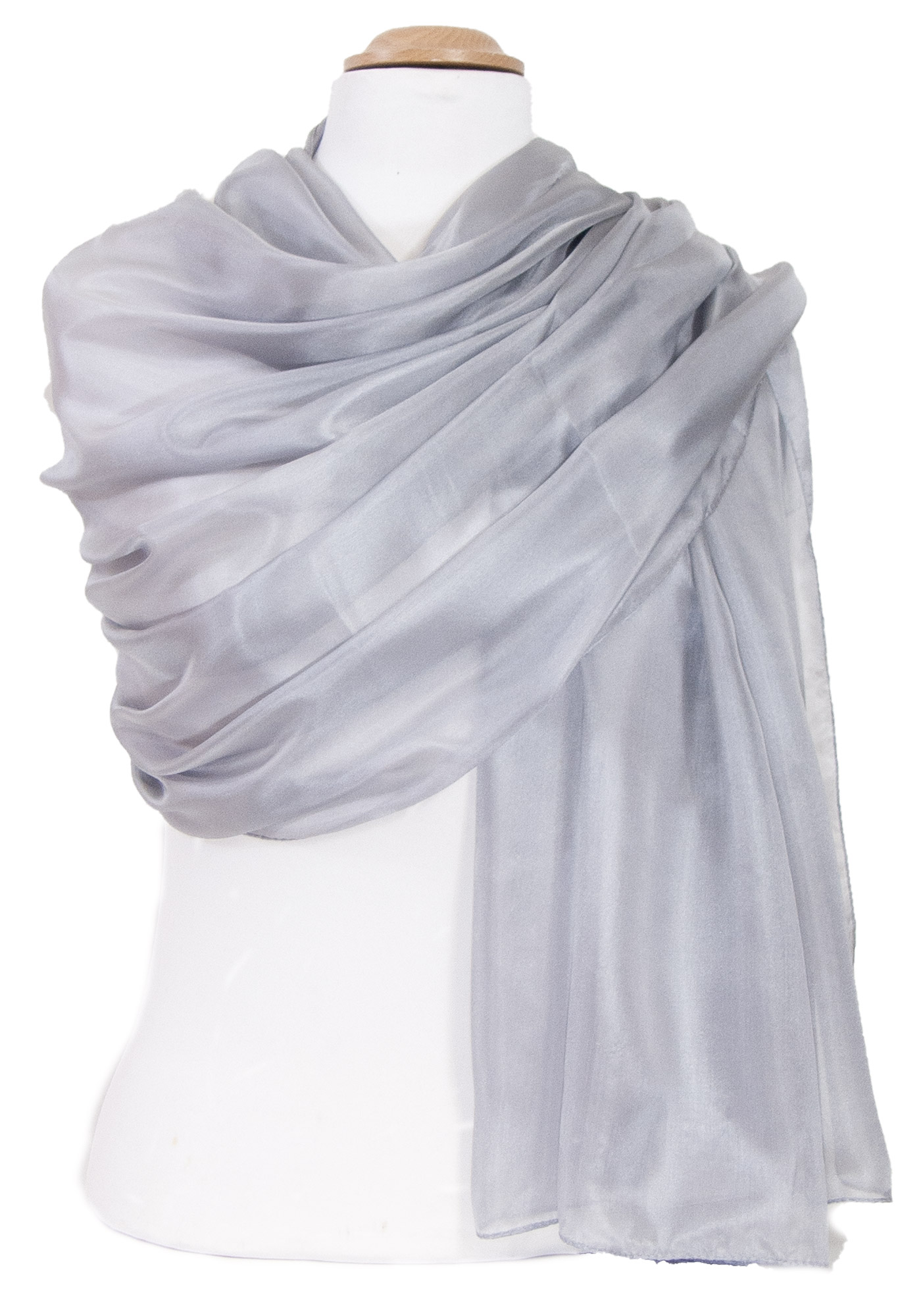 étole en soie grise  pour femme