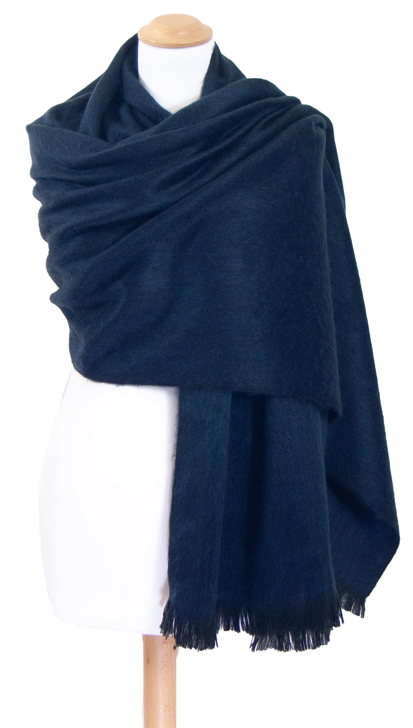 Châle en laine alpaga bleu marine