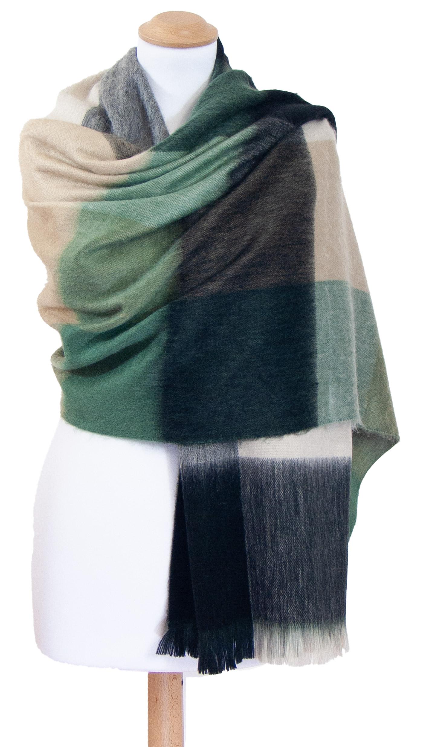 Châle en laine alpaga carreaux vert beige Hellen