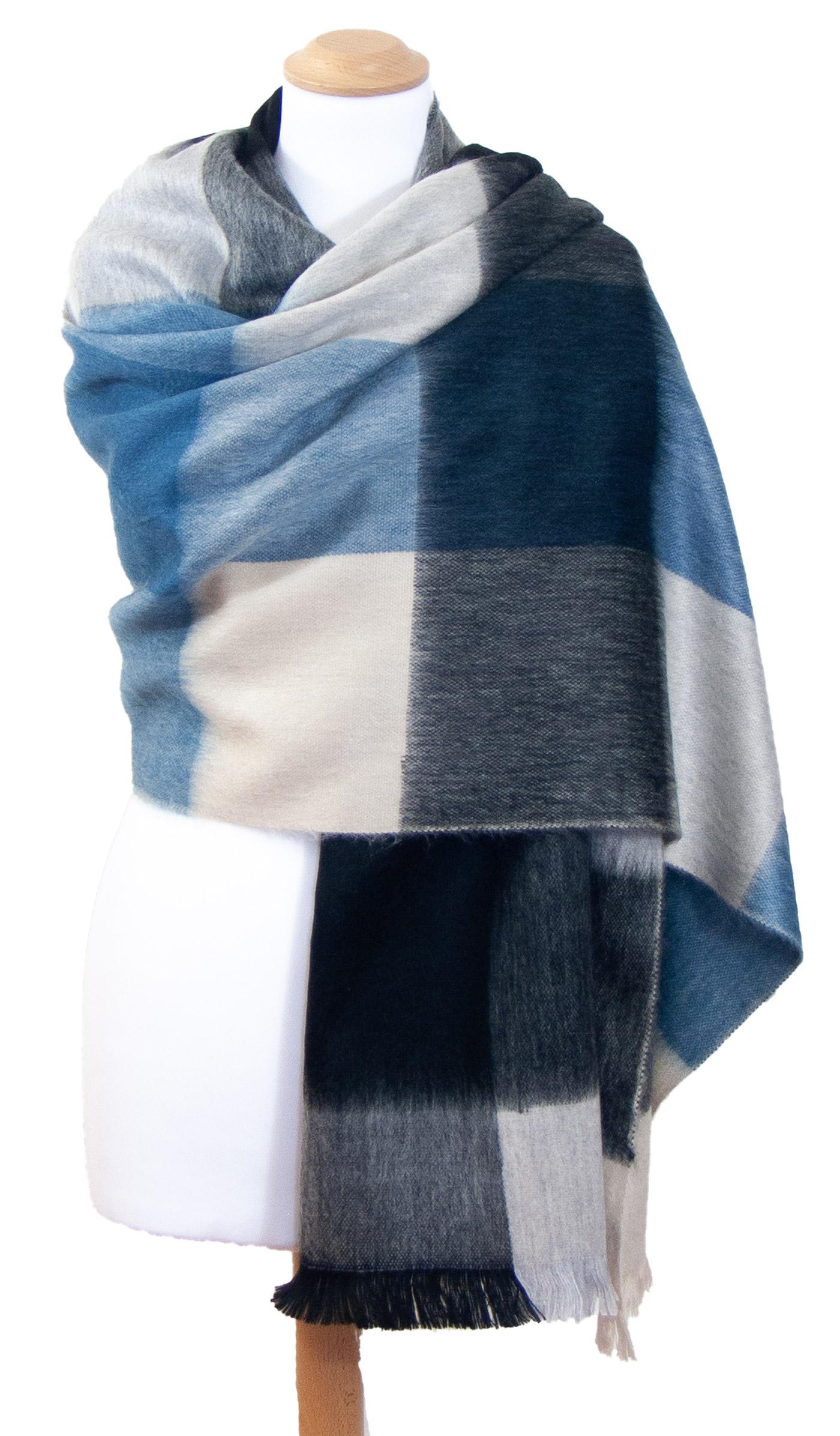 Châle en laine alpaga carreaux bleu Hellen